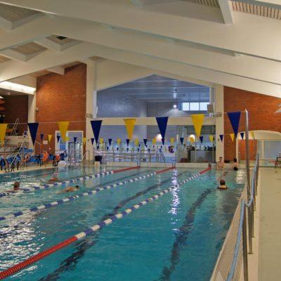 Referenssi Uimahallin, liikuntakeskuksen ja stadionin korjausrakentamista ja laajennusta Raatissa